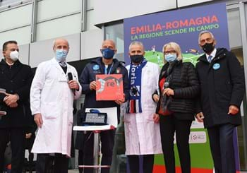 Gravina and Vialli visit CORE in Reggio Emilia. Azzurri raise money for cancer research